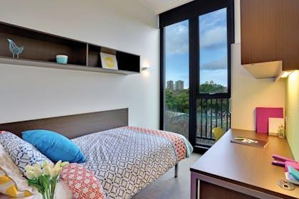 Single Ensuite Room - 6 Person Apartment