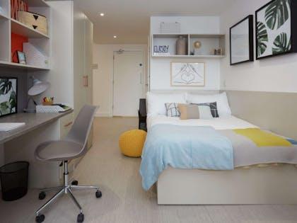 Gold En-Suite City View