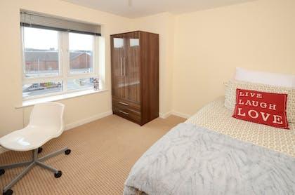 4 Bed Apartment (Ensuite Room)